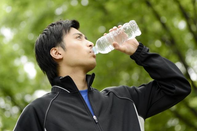 快適なスポーツライフをもっとエンジョイ 水分補給のすすめ